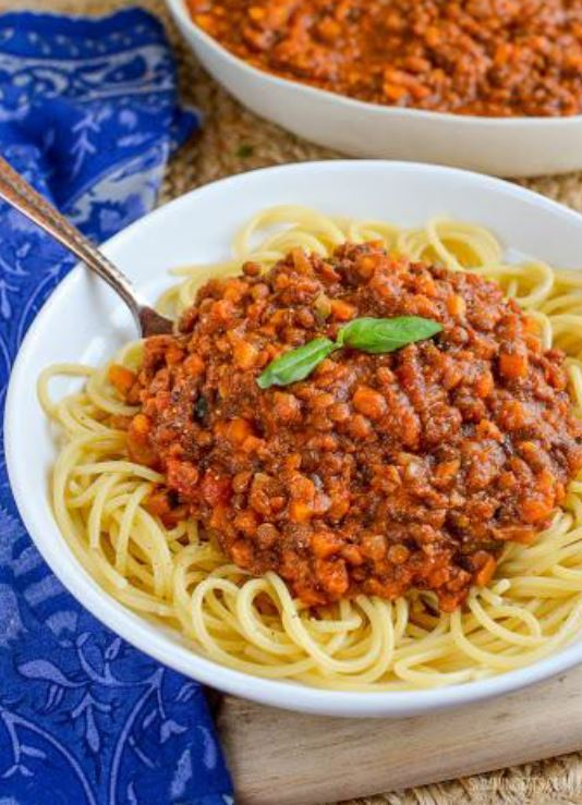 Meat-free lentil bolognese