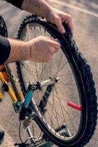 fixing a flat tyre
